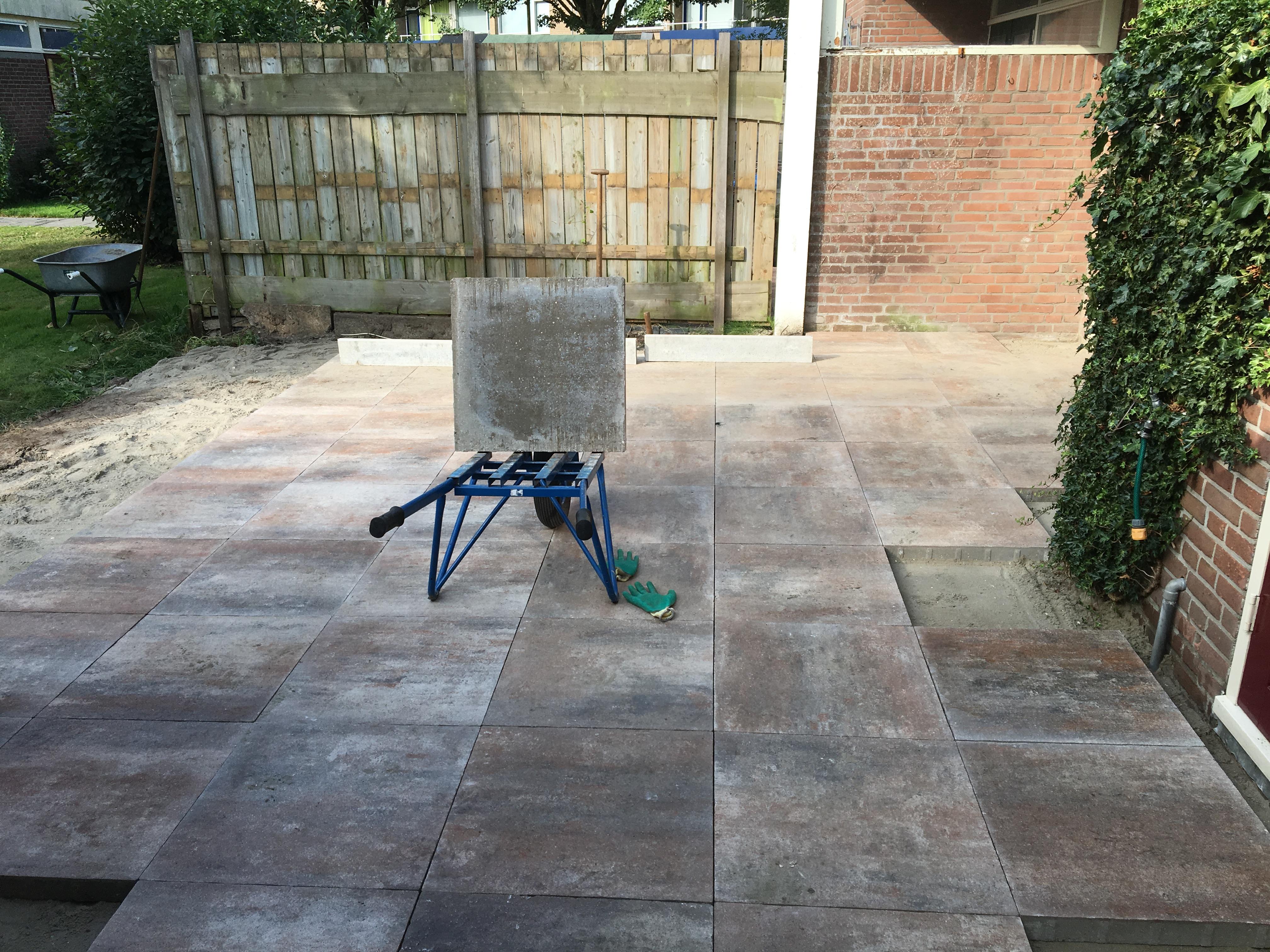 Tuin ontwerpen ideeen tegels aanleggen zwembad holidays oo - Tuin ideeen ...